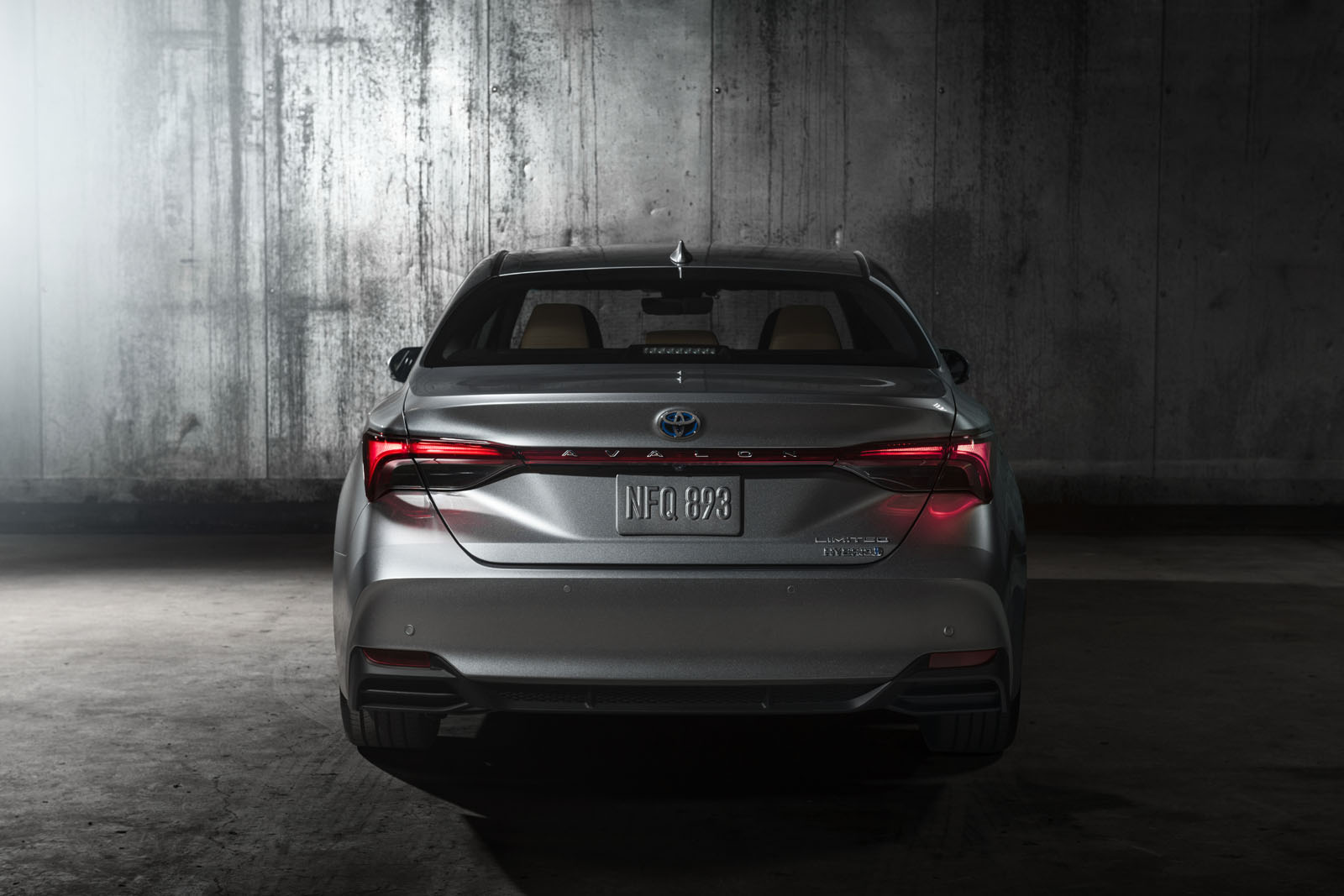 2019-Toyota-Avalon-6