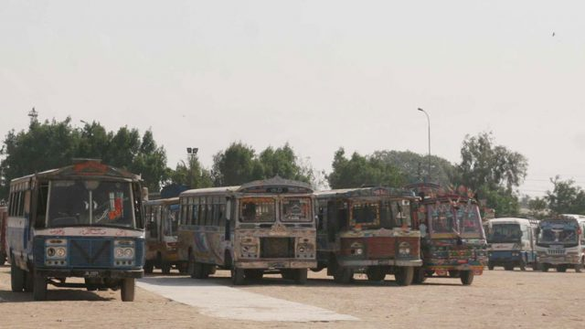 Passenger-buses-in-Karachi-ft