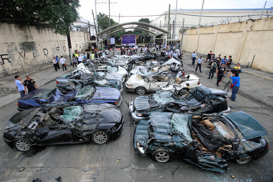 Philippines NCP Car Crushing (1)