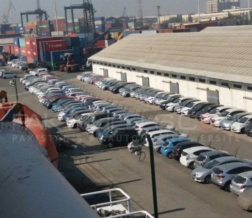 cars stuck at karachi port (1)