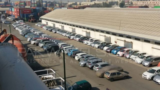 cars stuck at karachi port (6)