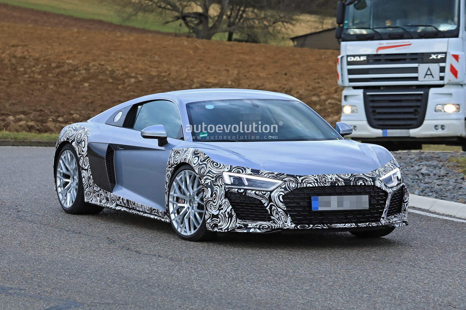 Audi R8 spy shots 4