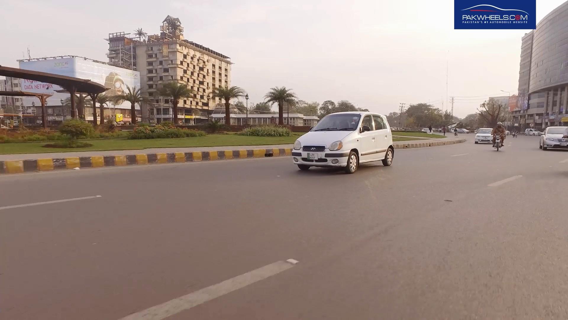 Hyundai Santro 2004 - PakWheels Budget Car Review (13)