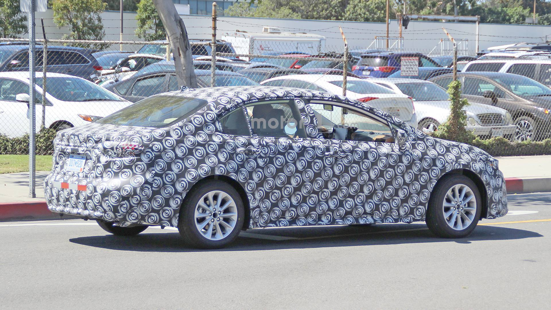 2020-toyota-corolla-spy-photo (3)