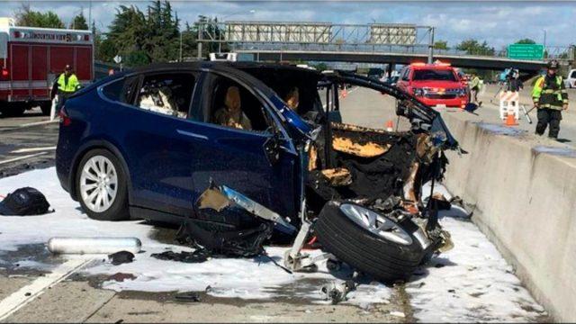 Tesla-X-Crash