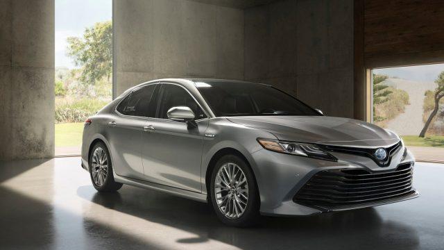Toyota-Camry-2018-1600-01