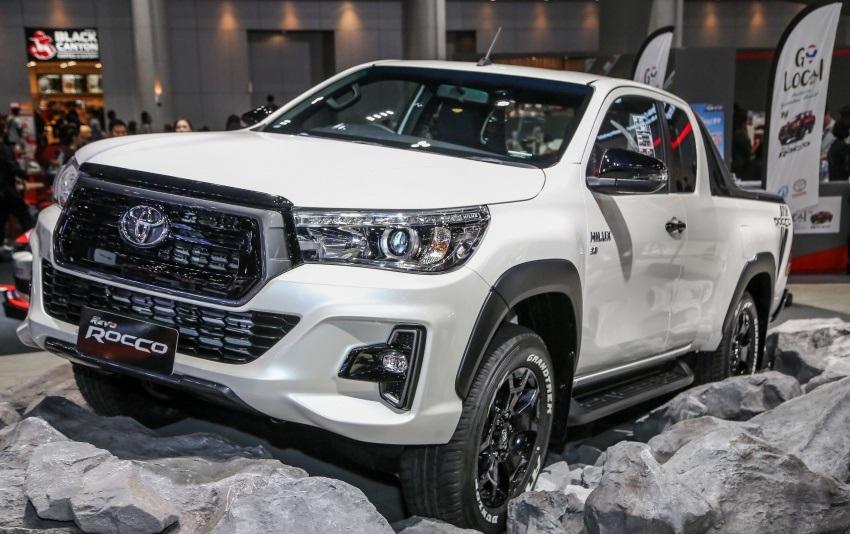 Toyota Revo Rocco (2)
