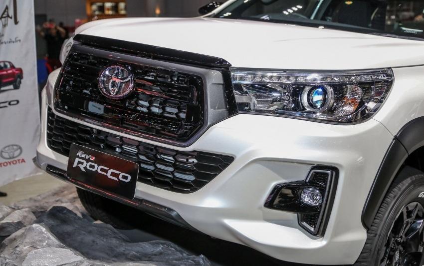 Toyota Revo Rocco (3)
