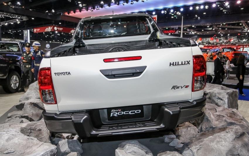 Toyota Revo Rocco (6)