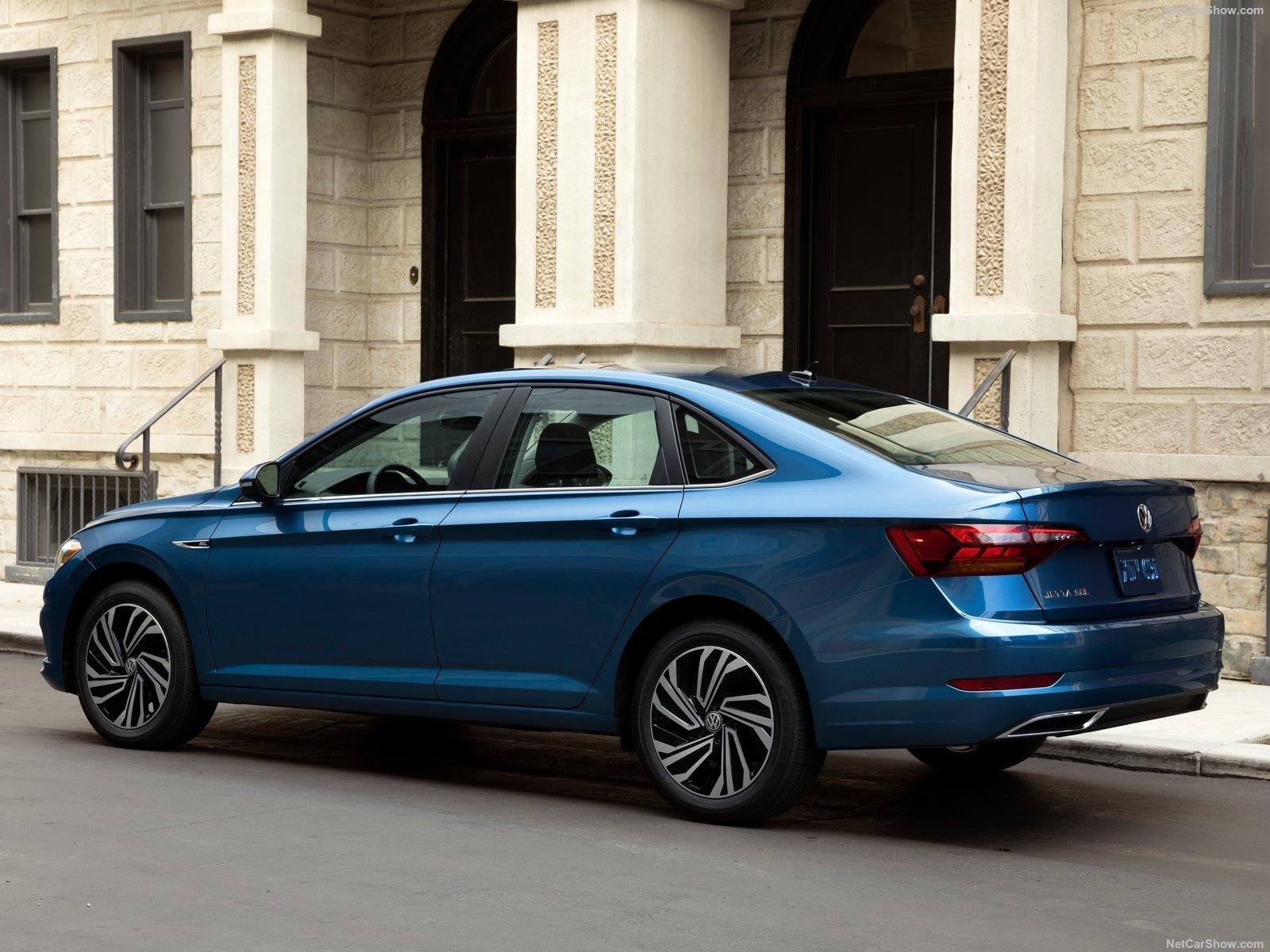 Volkswagen-Jetta-2019-1600-0c