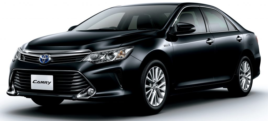 toyota-camry-hybrid-facelift-japan