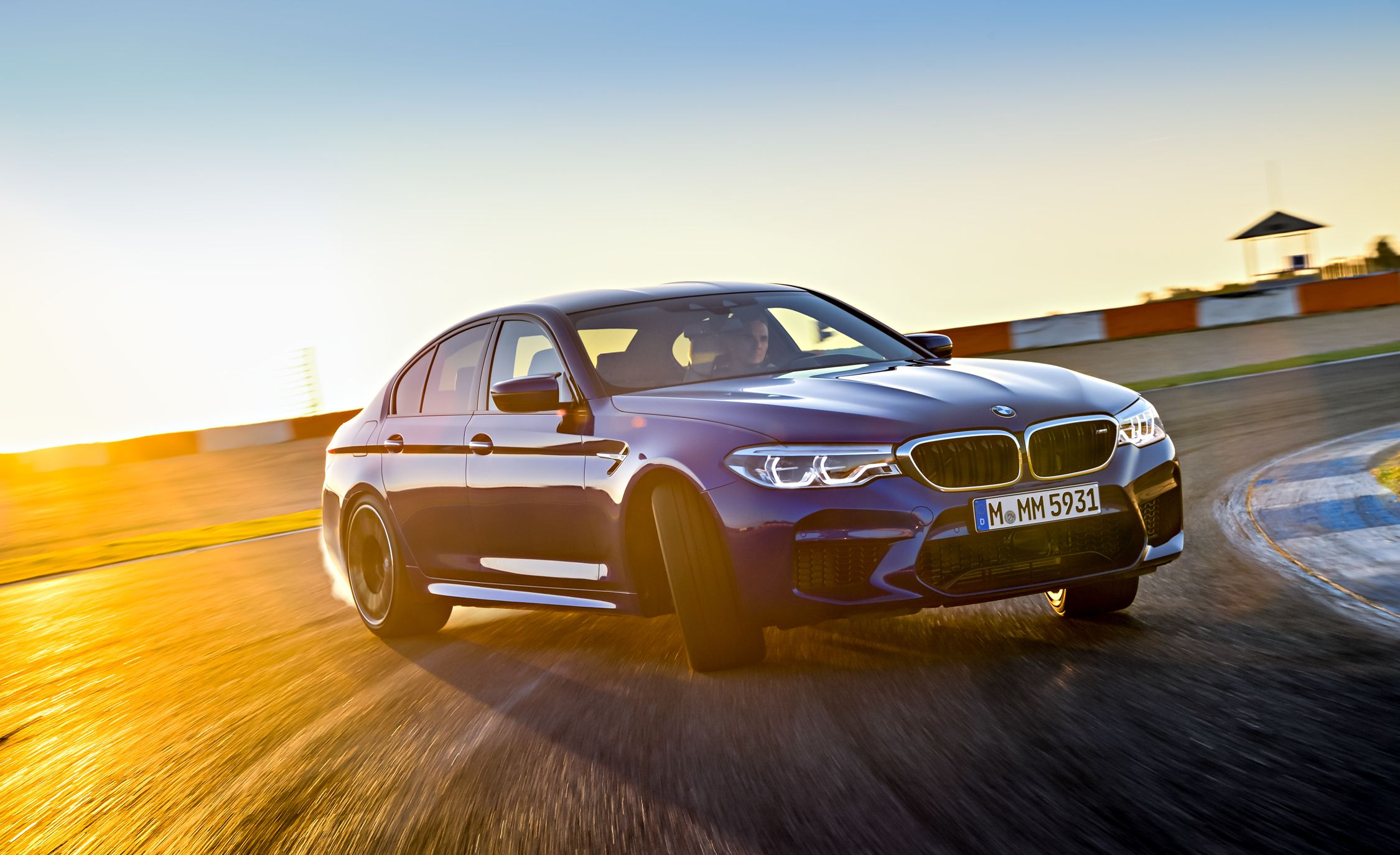 2018-BMW-M5-101