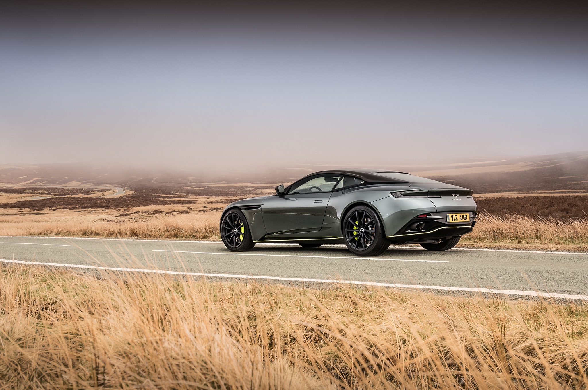2019 Aston Martin DB11 AMR (7)