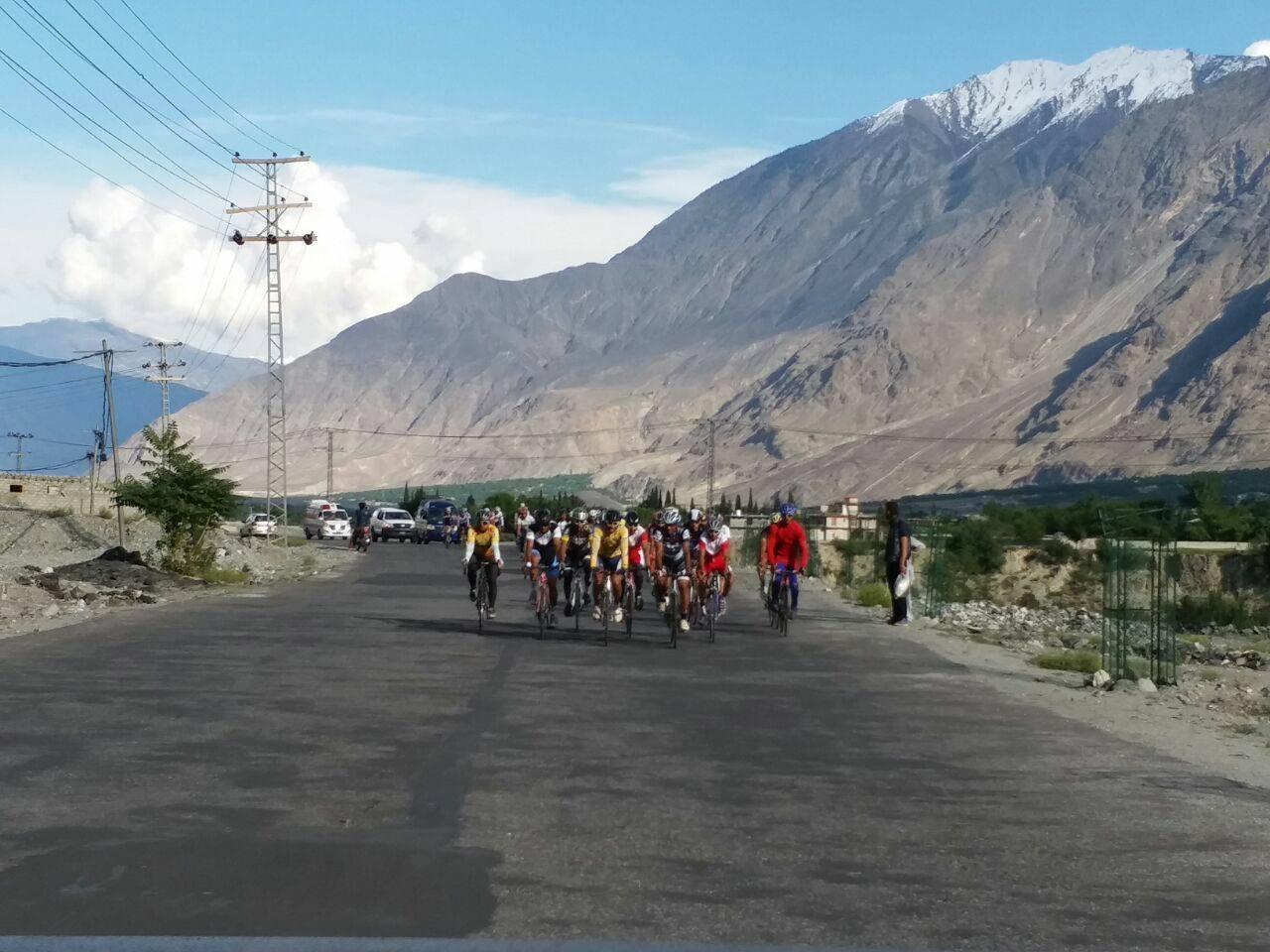 Tour De Khunjerab bicycle race (9)