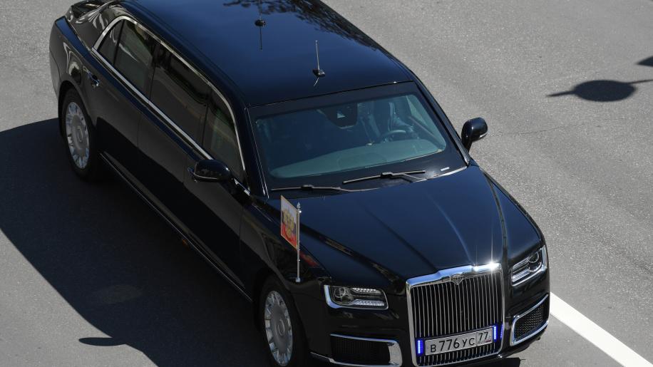 russia-putin-limousine-1