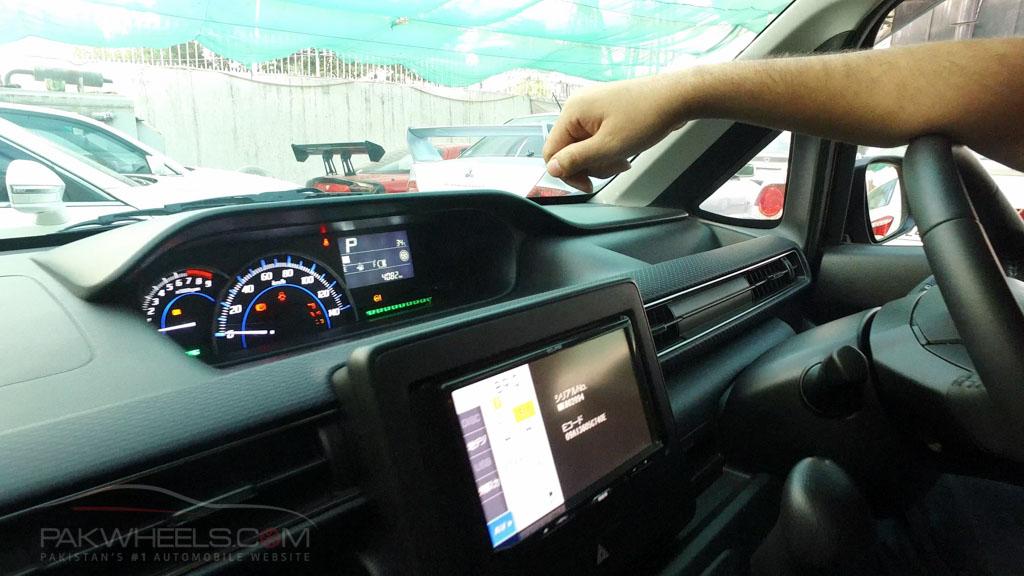 2017 Suzuki Wagon R FZ Hybrid PakWheels (15)