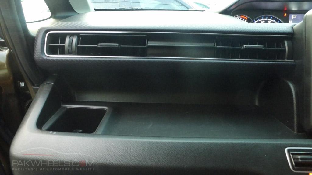 2017 Suzuki Wagon R FZ Hybrid PakWheels (18)