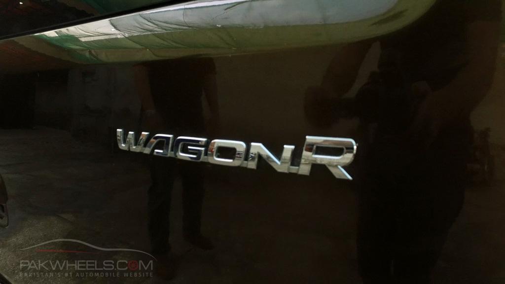 2017 Suzuki Wagon R FZ Hybrid PakWheels (5)