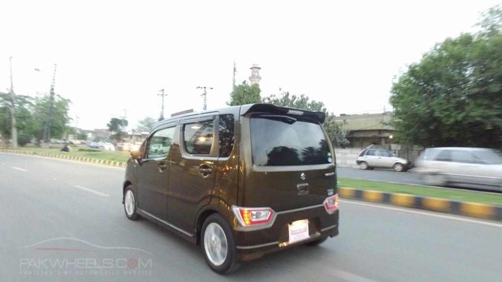 2017 Suzuki Wagon R FZ Hybrid PakWheels (62)