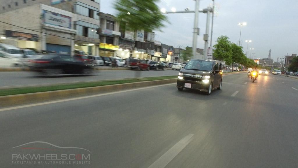 2017 Suzuki Wagon R Hybrid FZ PakWheels (74)