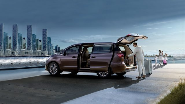 kia-carnival-highlights_rhd-01-1-w