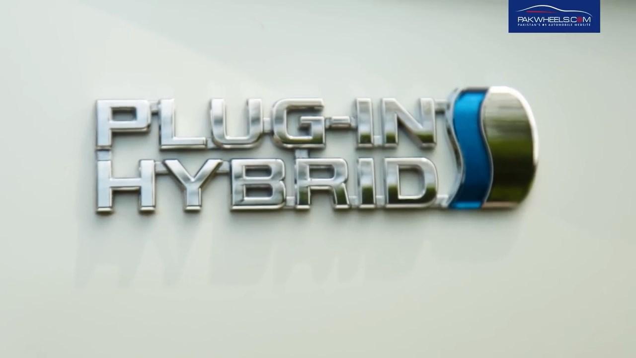 2017 Toyota Prius Prime PHV Hybrid PakWheels Review (37)