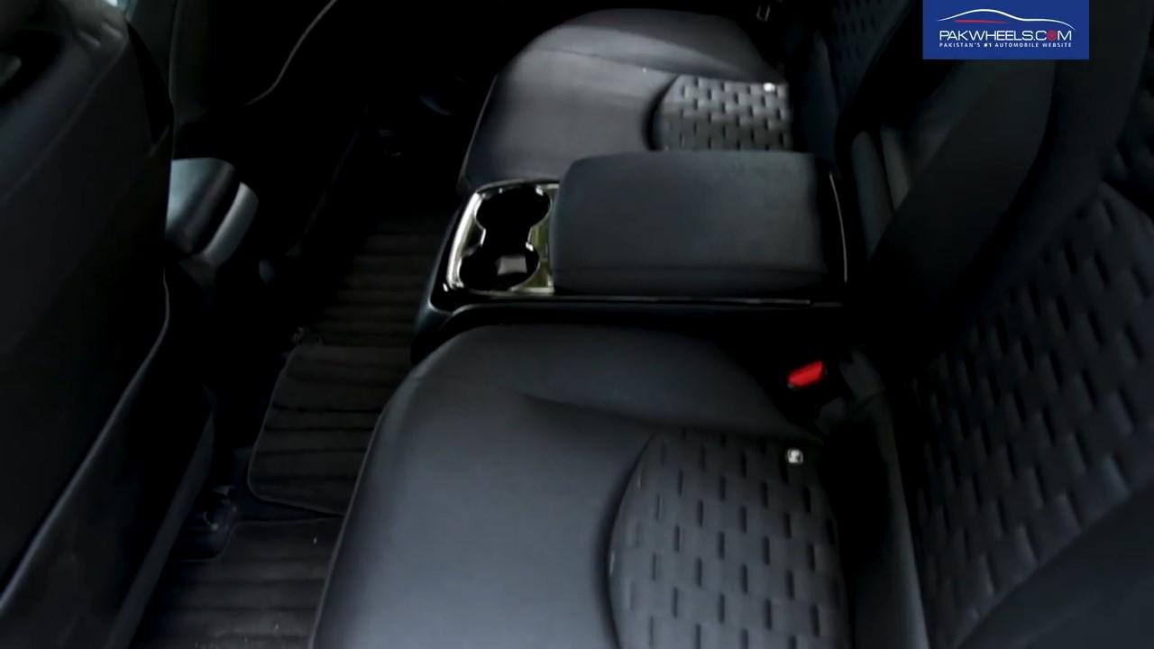 2017 Toyota Prius Prime PHV Hybrid PakWheels Review (38)