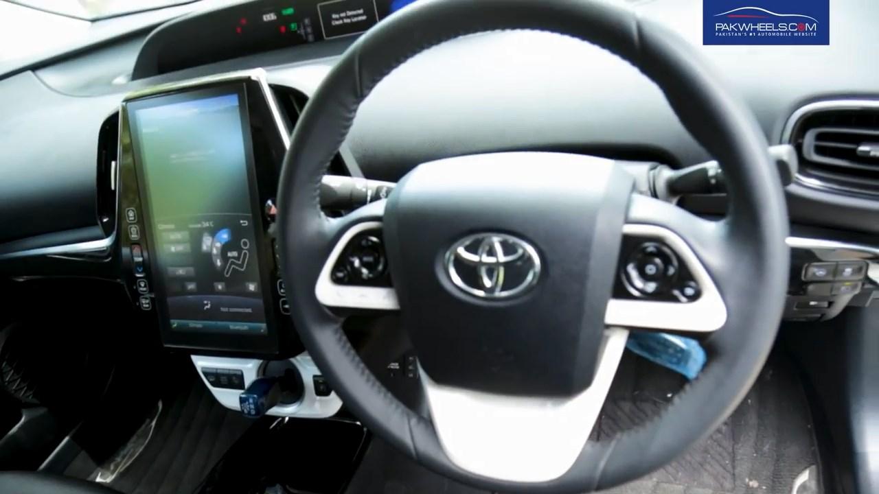 2017 Toyota Prius Prime PHV Hybrid PakWheels Review (47)