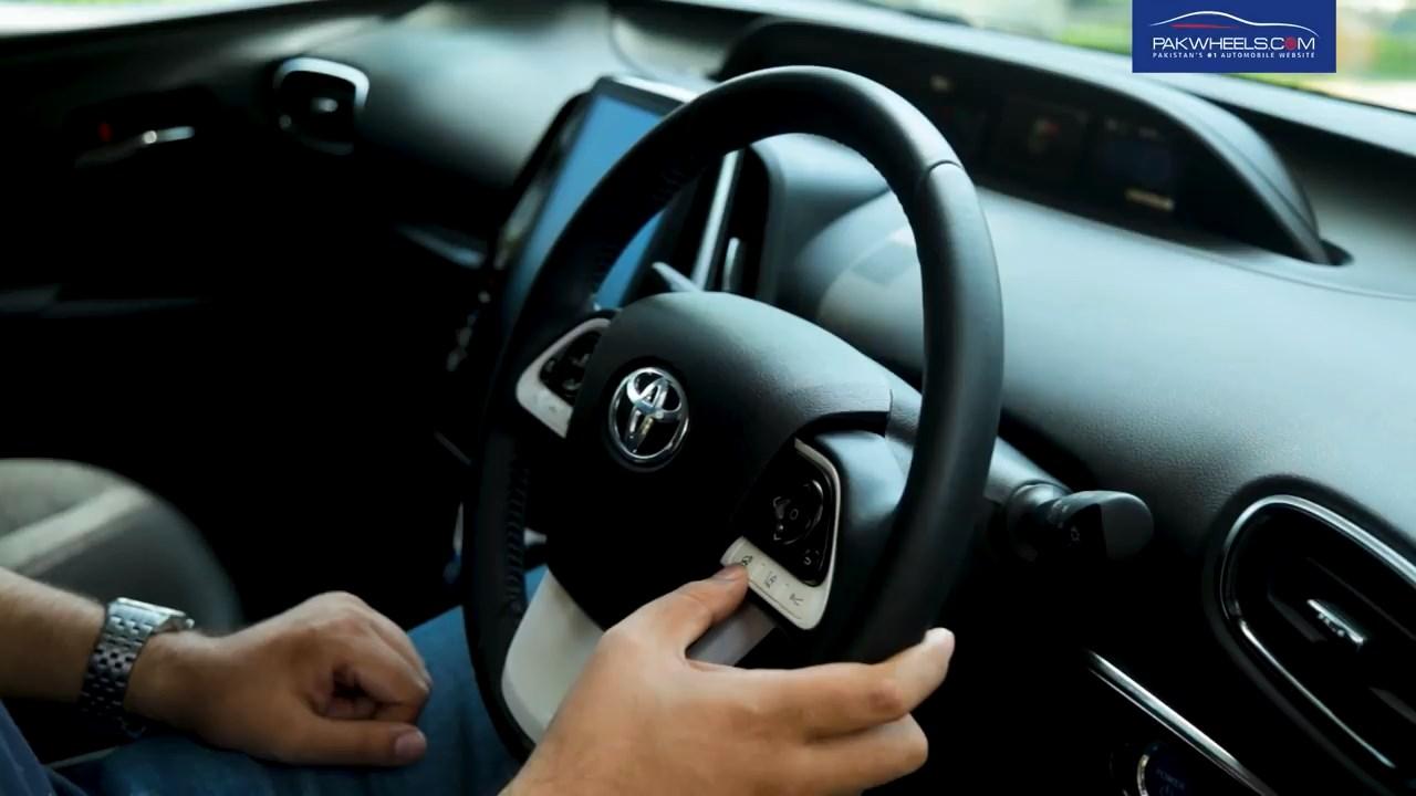 2017 Toyota Prius Prime PHV Hybrid PakWheels Review (62)