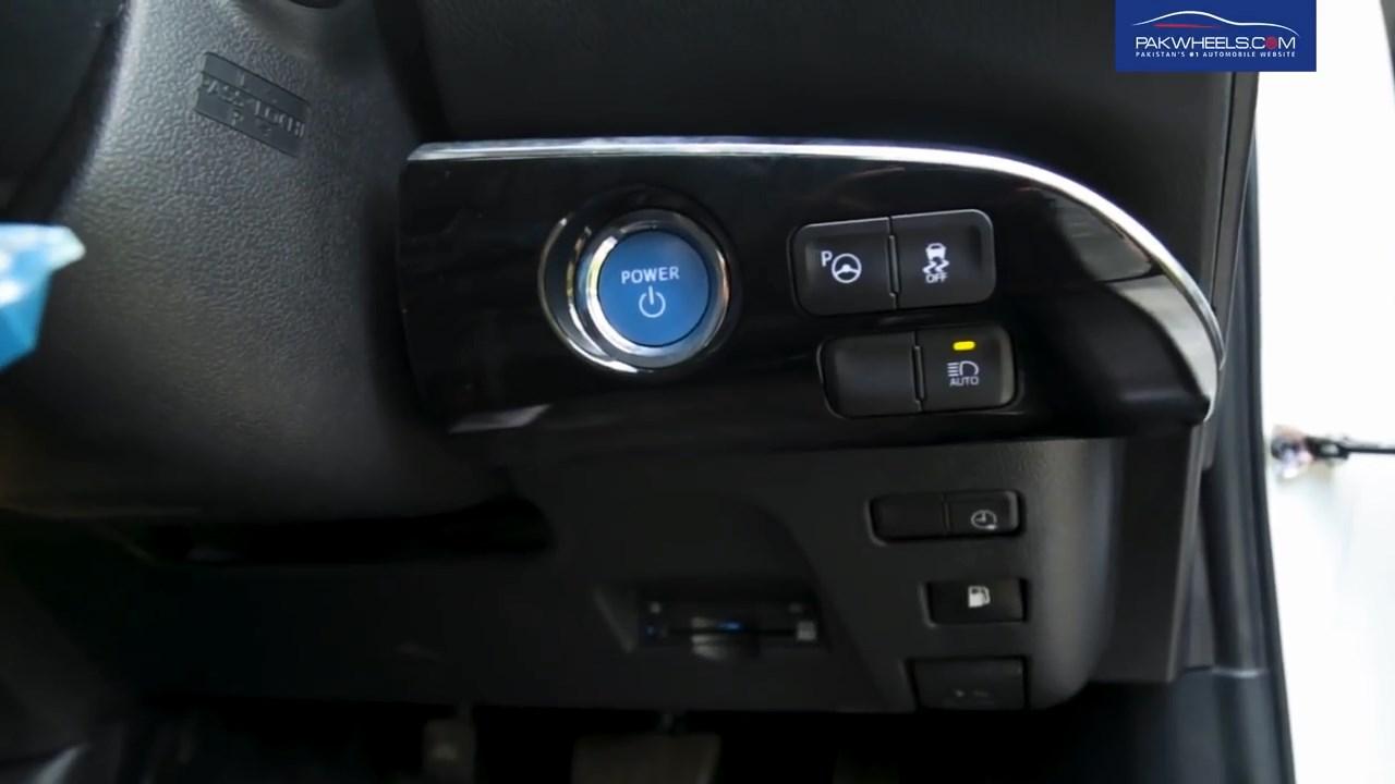 2017 Toyota Prius Prime PHV Hybrid PakWheels Review (63)