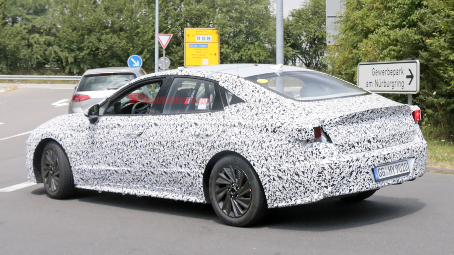Hyundai Sonata 2020 spied lapping the Nürburgring 5
