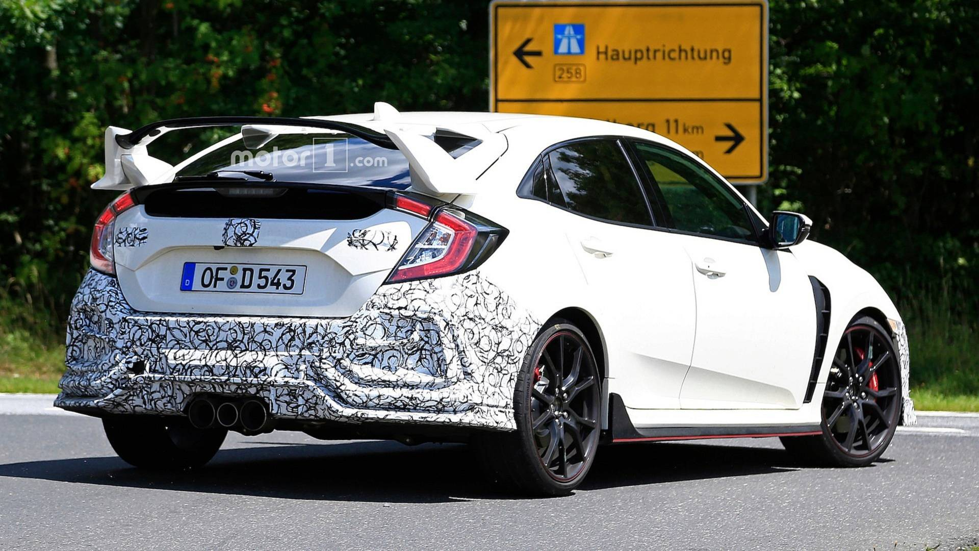 honda civic 2019 type r spy shots (2)