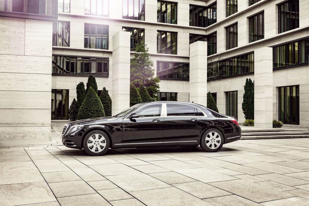 2017-mercedes-maybach-s600-guard