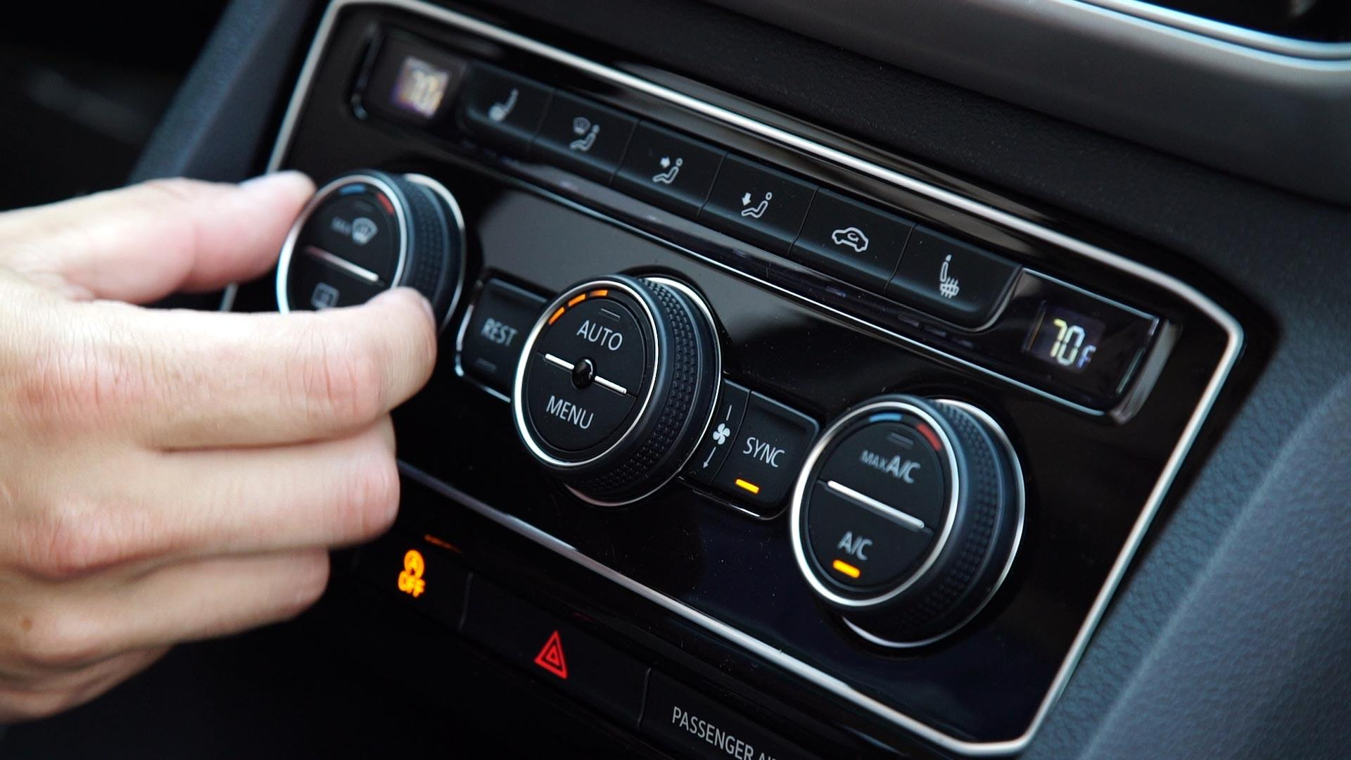 4 reasons why your car shakes when AC is turned on - PakWheels Blog