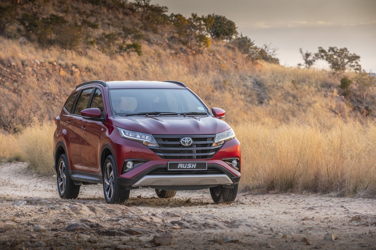 Toyota Rush 2018 (5)