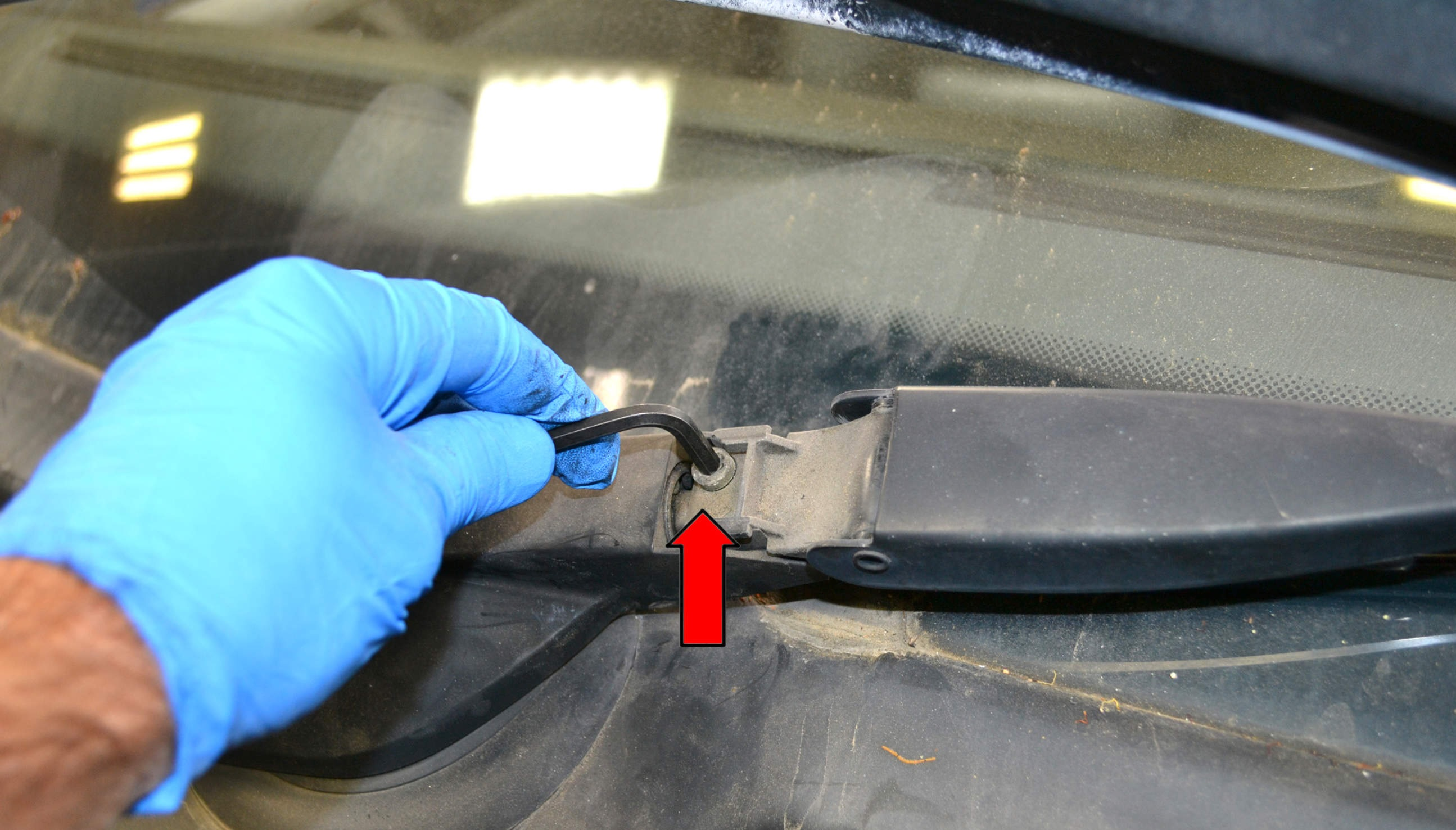 wiper arm adjustment