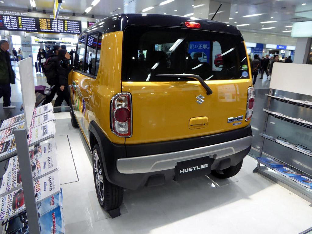 Suzuki Hustler (8)