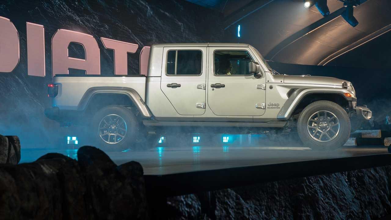 Jeep Gladiator Release Date >> 2020 Jeep Gladiator Debuts - PakWheels Blog