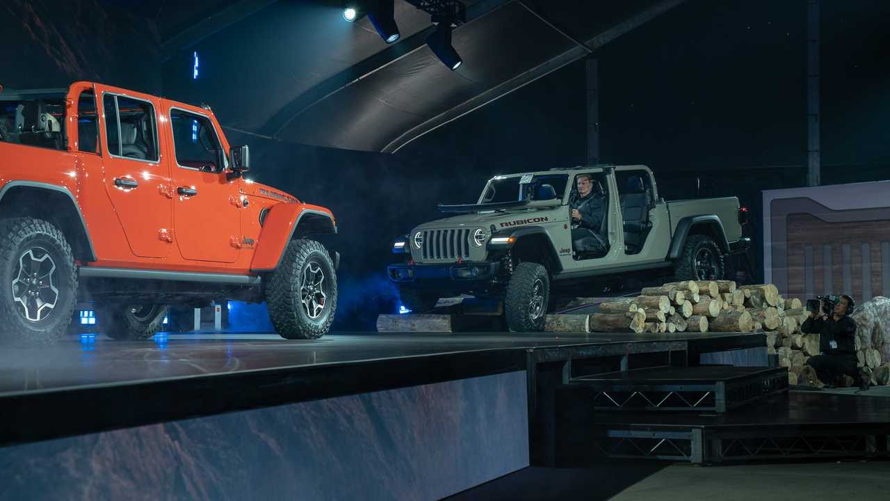 2020 Jeep Gladiator Debuts - PakWheels Blog