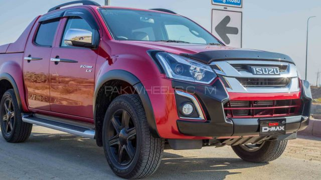 Isuzu Dmax Specs >> Isuzu D Max V Cross Ls Detailed Review Specs Photos