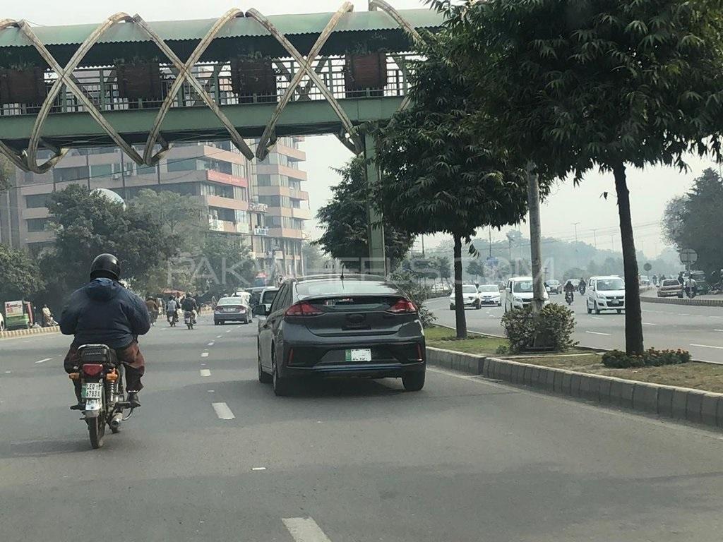 Hyundai Alert! Ioniq spotted once again - PakWheels Blog